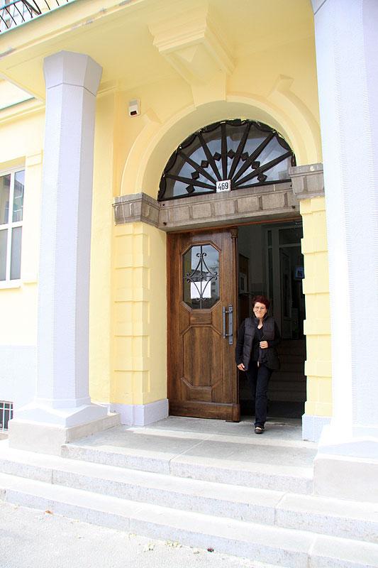 Vstup do budovy polikliniky KRANKAS